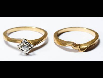 Único Alianças de Casamento 14K Lot 167: 14K Gold And Diamond Rings; Two Rings, Including A 14