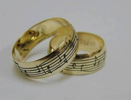 Surpreendente Par de Alianças Musica Anillos | Album Abi | Pinterest | Music Rings, Musicals And R